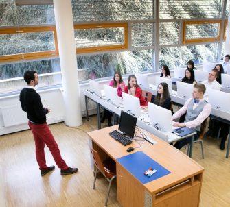 تحصیل مقطع کارشناسی در چک