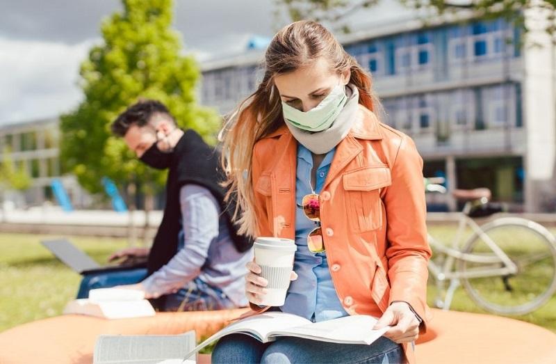 برخی از دانشگاه های انتاریو قصد بازگشت به آموزش حضوری را دارند